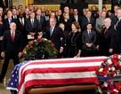 Linh cữu cố Tổng thống Bush quàn dưới mái vòm tòa nhà quốc hội Mỹ