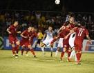 """Cầu thủ Philippines """"sốc"""" vì bay 20 tiếng sang Việt Nam đá trận lượt về"""