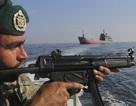"""Iran dọa phong tỏa vịnh Ba Tư, Mỹ điều tàu sân bay """"nắn gân"""""""