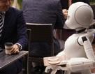 Độc đáo quán cà phê có nhân viên toàn là robot do người bại liệt điều khiển
