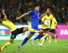 Thái Lan 2-2 Malaysia: Tội đồ Adisak khiến người Thái bị loại