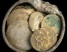 Hũ tiền vàng giấu kín suốt 900 năm mà không ai hay biết