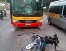 Chạy xe máy ngược chiều tông rạn đầu xe buýt, nam thanh niên tử vong