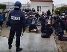 Đoạn video lại khiến nước Pháp sục sôi sau các cuộc bạo động