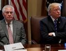 """Ông Trump chê cựu ngoại trưởng Mỹ """"đần độn"""""""