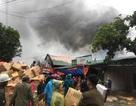 Kho hàng rộng 2.000m2 phục vụ Tết Nguyên đán bốc cháy ngùn ngụt