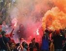 CĐV Malaysia và mối đe dọa từ những kẻ bịt mặt, áo đen
