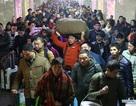 """Trung Quốc: """"Nghẹt thở"""" cuộc di dân về quê ăn tết"""