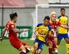 Nguyên Mạnh gãy tay kinh hoàng, SL Nghệ An có 3 điểm đầu tay ở AFC Cup