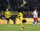 Batshuayi rực sáng, Dortmund trở lại nhóm dự Champions League