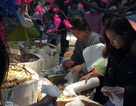 Giáp Tết, người dân Hà Nội đổ xô mua sắm Tết, siêu thị đông đặc