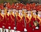 Bị hàng trăm phóng viên săn đuổi, đội cổ vũ Triều Tiên bỏ dở chuyến tham quan