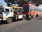 Hai cha con bị xe khách tông tử vong khi đang dừng xe bên lề đường