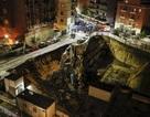 Hố tử thần khổng lồ ở Ý nuốt trọn 6 ô tô