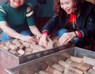 Làng bánh gai nức tiếng xứ Thanh rộn ràng vào Tết