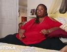 Gặp người phụ nữ nặng 308 kg lần đầu chịu ra ngoài sau 4 năm ở lì trong phòng