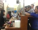 Hà Nội: Chủ tịch phường trực tiếp nhận và ký trả hồ sơ cho công dân ngày làm việc đầu năm