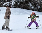 Cô nhóc nhà Beckham trượt tuyết rất chuyên nghiệp