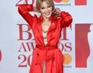 49 tuổi, Kylie Minogue vẫn trẻ đẹp và cuốn hút