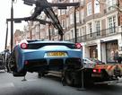 Cản trở giao thông, không có bảo hiểm, siêu xe Ferrari cũng bị cẩu