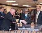 Đại sứ Việt Nam thăm căn cứ hải quân và tàu sân bay Mỹ