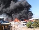 Cháy kho vải hàng nghìn m2, lửa bốc ngùn ngụt
