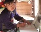 Vợ chồng nghèo quặn lòng nhìn con trai bị thận hư kháng thuốc