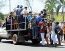 """Dân Venezuela đi làm còn """"lỗ vốn"""" hơn ngồi nhà"""