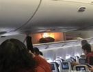 Hành khách hoảng loạn khi khoang hành lý trên máy bay đột nhiên bốc cháy