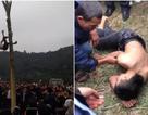Xôn xao nam thanh niên trèo cây chuối, ngã bất tỉnh trong lễ hội đầu năm