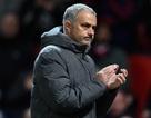 HLV Mourinho giương cờ trắng ở cuộc đua vô địch Premier League