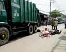 Ngã xuống đường sau va quẹt, nam sinh bị xe rác cán tử vong