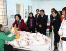 Trưởng ban Dân vận Trung ương tặng 100 suất quà cho bệnh nhân ung thư