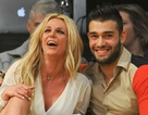 "Britney Spears ca ngợi ""bồ"" trẻ hết lời"