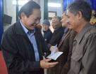 Bộ trưởng Bộ TT & TT tặng quà Tết cho gia đình chính sách, học sinh nghèo