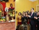 Chủ tịch nước và Phu nhân dâng hương tưởng nhớ Bác Hồ