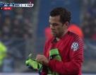 Thủ môn PSG bị đuổi, Dani Alves xỏ găng bắt gôn