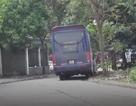 Hà Nội: Xe khách len lỏi trong nội đô đón, trả khách trái phép