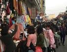 """Cận Tết, sinh viên Hà Nội chen cứng """"thiên đường mua sắm giá rẻ"""""""