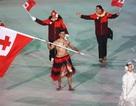 Vận động viên cởi trần diễu hành ở khai mạc Olympic mùa Đông giữa trời -3 độ C