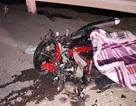 Xe máy kẹp 3 đấu đầu ô tô khách, 3 người tử vong