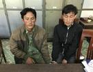 Chồng cùng 2 con trai lao vào chém công an để cứu vợ đang bị bắt truy nã