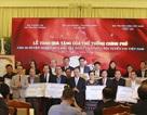 Thủ tướng trao kinh phí từ đấu giá bóng, áo của đội U23 cho 20 huyện nghèo