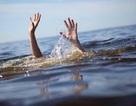 Hai trẻ nhỏ chết đuối thương tâm dưới mương nước