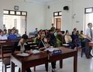 """Phú Yên: Tiếp tục hoãn phiên tòa """"51 giáo viên bị cho thôi việc"""""""