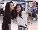 Hoa hậu Chuyển giới Hương Giang được săn đón tại Thái Lan