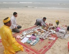 Mâm cơm đặc biệt bên bờ biển gửi tới 64 liệt sỹ Gạc Ma