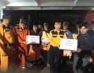 Cứu sống 8 ngư dân trôi sạt suốt 3 ngày trên vùng biển Hà Tĩnh