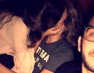 Tấm ảnh selfie đình đám ghi lại bằng chứng bị bạn gái cắm sừng