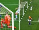 """""""Xâu kim"""" Courtois hai lần, Messi chạm hai cột mốc đáng nể"""